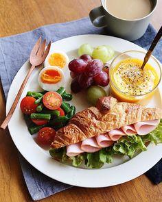 Healthy Breakfast Menu, Healthy Meal Prep, Easy Healthy Recipes, Manger Healthy, Think Food, Food Platters, Food Goals, Cafe Food, Aesthetic Food
