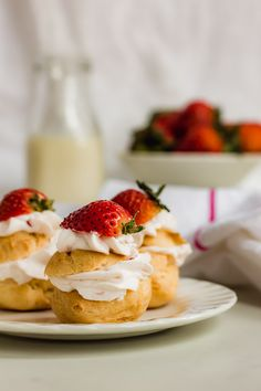 Profiteroles with whipped strawberry cream drizzled with rich chocolate ganache. The perfect dessert for sharing or family gatherings. French Desserts, Easy Desserts, Dessert Recipes, Chocolate Drizzle, Chocolate Ganache, Homemade Profiteroles, Strawberry Crush, Cream Puff Recipe, Choux Pastry