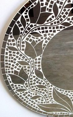 18 Modern Mirror Ideas >> For More Modern Mirror Decor Ideas Mosaic Tile Art, Mirror Mosaic, Mosaic Diy, Mosaic Crafts, Mosaic Projects, Mirror Art, Mosaic Glass, Glass Art, Mirror Ideas