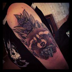 Marita Butcher, Raccoon with Blueberries and diamond