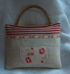 Cute bag idea, different textures and fabrics...