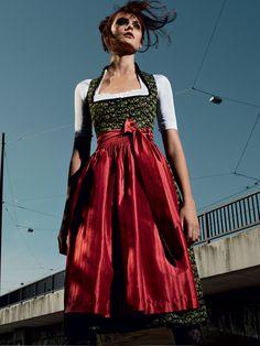 """Schwarz-Grün-Rotes Dirndl """"Marei"""" von GOTTSEIDANK für Damen"""