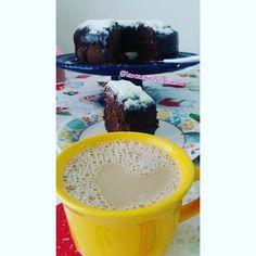 Café  . . #prendada #donadecasa #lardocelar #delicia #segue #amo #minhavidadecasada #donadecasaeusou #boanoite #food #casei #home #blogueira #love #meular #blogando #euquefiz #crochê #croche #vidareal #casa100bagunca #bolo #vidadecasada #ame #receita #mulheresvirtuosas #amelices #bomdia #gordice #instablog by larcantinhodeamor http://ift.tt/1TvdoZH