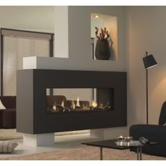 Deze royale doorkijkhaard brengt naast veel sfeer ook behoorlijk wat warmte in grotere woonruimtes. #Gashaard #Gaskachel #Kampen #Interieur #Fireplace #Fireplaces