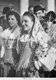 The cut and style of this bodice is early Much folk dress was re-introduced and streamlined in the first decades of the at a time of rising national identity across Europe. Italian Models, Italian Women, Italian Baby, Classic Italian, Old Pictures, Old Photos, Vintage Photographs, Vintage Photos, Folk Costume