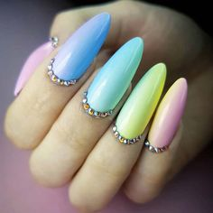 Easter nails have many possibilities to be done and reflect your mood during this wonderful Easter weekend. They can be modest and simple or bright and shiny, full of details and colors.#springnails#easternails#pastel