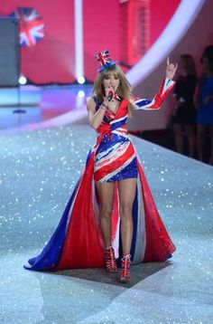 #TaylorSwift performs during the 2013 Victoria's Secret Fashion Show at the #LexingtonAvenueArmory on Nov 13, 2013 in NYC  http://celebhotspots.com/hotspot/?hotspotid=24172&next=1