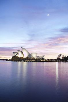 Sydney Opera House - would love to go to Sydney some day, or to Australia in general! Sydney Australia, Australia Travel, John Cheever, Let Tour, Nh Hotel, Beautiful Places In The World, Amazing Places, Street Photo, Wanderlust Travel