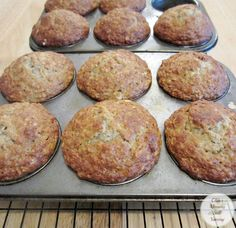 Banana Oatmeal Muffins Recipe for tasty and tender Banana Oatmeal Muffins. - Banana Oatmeal Muffins - Bake at Used honey, greek yogurt, and halved flour (almond flour and more oats) Banana Recipes, Muffin Recipes, Banana Oatmeal Muffins, Oatmeal Cake, Baking Muffins, Mini Muffins, Muffin Bread, Healthy Muffins, Healthy Snacks