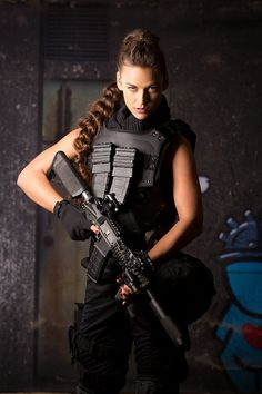 http://tactical.toys/blog/israeli-tactical-girl-loves-canada/