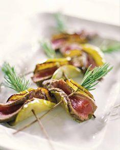 Brochetas de cordero y calabaza Tapas, Potato Salad, Potatoes, Ethnic Recipes, Food, Kabobs, Entrees, Lamb, Entrees