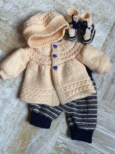 layette set for newborn boy Baby Sweater Patterns, Poncho Knitting Patterns, Knitted Poncho, Knitted Dolls, Knitted Blankets, Baby Patterns, Crochet For Boys, Knitting For Kids, Baby Knitting