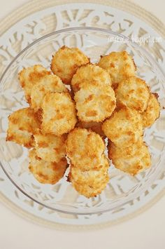 Smakocie i Łakołyki: Kokosanki Snack Recipes, Dessert Recipes, Snacks, Polish Desserts, E Piano, Holidays And Events, Biscotti, Chips, Food And Drink