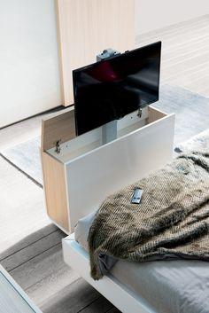 Placards de chambre sur pinterest organisateur de for Meuble tv escamotable electrique