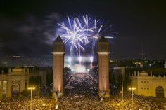 Taking over the grapes in the Avenida Maria Cristina? The show, 40 minutes, you should place the #city on the route and encourage international television occupation. #Barcelona prepares a year-end party.  Celebrate the New Year at #Barcelona in Stay Barcelona Apartments