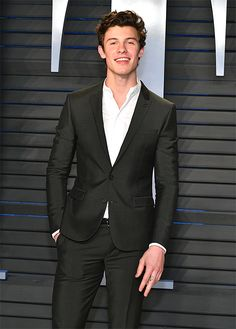 Shawn Mendes Photos - Shawn Mendes attends the 2018 Vanity Fair Oscar Party hosted by Radhika Jones at Wallis Annenberg Center for the Performing Arts on March 2018 in Beverly Hills, California. - Shawn Mendes Photos - 10 of 1867