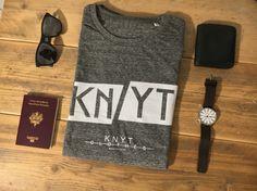 - Knyt Clothes -