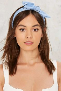 I used to wear those so much in the mid 80s and 90s.  Had one in every color.  Loved that look.   Blues Bandana Headband | Shop Accessories at Nasty Gal!