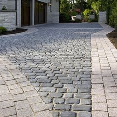 Traditional Landscape Driveway Design, Pictures, Remodel, Decor and Ideas - page 2
