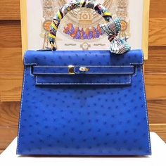 Celine box flap bag in Chocoalate Hermes Kelly 25, Celine Box, Bag Sale, Purses, My Style, Leather, Blue, Handbags, Bags
