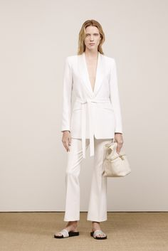 Elizabeth and James Resort 2016