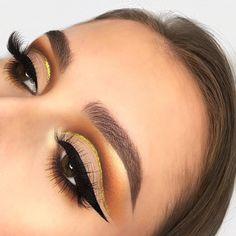 Brows: Anastasia Beverly Hills dipbrow pomade #makeup #ad (makeup eyeshadow anastasia)