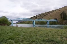 Millers Flat, Central Otago. Millers Flat's recognisable 'blue bridge'. http://www.centralotagonz.com/millers-flat