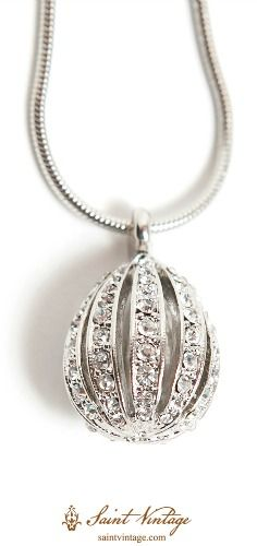 NEW to @saintvintage this spring! A Couture Drop Pendant Necklace inspired by the Spring & Easter season. Order your @saintvintage sparkle today!