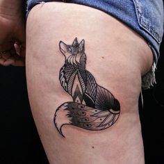 """Did the first of (potentially) several of what my client and I are calling """"mandanimals"""" on her today! Lots of fun! #mandala #animal #pattern #fox #neotatmachines #girly #tattooedlady #ladytattooers..."""