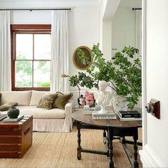Neutral Color Scheme, Color Schemes, Apartment Decoration, Apartment Ideas, New Interior Design, Louis Vuitton, Mid Century Furniture, Elle Decor, White Walls