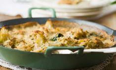 I broccoli gratinati al forno sono un piatto ideale, light e buonissimo, da portare in tavola sia a pranzo che a cena: scoprite qui la ricetta!