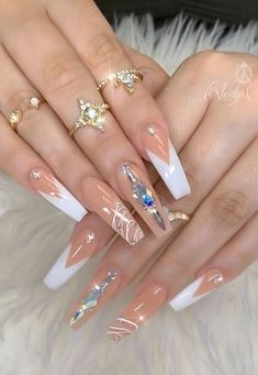 In seek out some nail designs and ideas for your nails? Listed here is our set of must-try coffin acrylic nails for fashionable women. Bling Acrylic Nails, Best Acrylic Nails, Rhinestone Nails, Bling Nails, Gold Nails, Swag Nails, Swarovski Nails, Acrylic Gel, Stiletto Nails