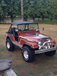 1974 Jeep CJ5 304 3spd- I had a blue 74 CJ5 love those short bodies...