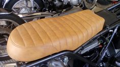 Motorcycle Seats, Cafe Racer, Boxer, Om, Basket, Motorbikes, Boxers, Hamper