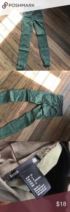 H&M army green maternity pants Size 6 fits like an XS H&M Pants Skinny