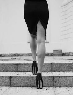 Black and White Photography, Why it is so Beautiful – PhotoTakes Lena Luthor, Mode Glamour, Isabelle Lightwood, Lost Girl, Belle Photo, White Photography, Monochrome Photography, High Heels, Black And White