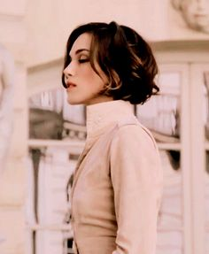 The Queens of Beauty — Keira Knightley for Coco Mademoiselle by Chanel. Keira Knightley Hair Short, Keira Knightley Chanel, Keira Christina Knightley, Coco Mademoiselle, Trendy Hairstyles, Bob Hairstyles, Short Hair Cuts, Short Hair Styles, Corte Bob