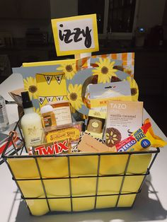 pi beta phi sorority big little basket yellow sunflower theme crafts Big Little Week, Big Little Reveal, Big Little Gifts, Little Presents, Big Sis Lil Sis Gifts, Cute Birthday Gift, Birthday Gifts For Best Friend, Friend Gifts, Themed Gift Baskets