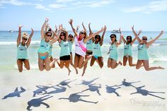 Bachelorette Beach Party - love this fun picture of all the girls on the beach.