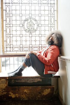 Reggie Watts Reggie Watts, Funny People, Drawing Reference, Comedians, Nerdy, Fangirl, Gay, Fire, Photoshoot