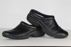 Womens Merrell Clogs / Ladies Slip On Black Leather Clog Shoes / Size US 9 EU 39