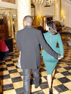 Kim Kardashian, Kanye West Kiss in Rome