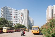 MVRDV has completed Future Towers, an enormous apartment building in Pune, India, featuring blocks with sloping roofs and courtyards Green Architecture, Residential Architecture, Construction Cost, Ground Floor Plan, Garden Spaces, How To Level Ground, Pune, Facade, Future