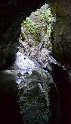 Portal Scărişoara Cave, Romania