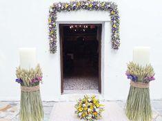Διακόσμηση Στολισμός Γάμου Beach Wedding Reception, Boho Wedding, Floral Wedding, Wedding Flowers, Wedding Ideas, Welcome Table, Candle Sconces, Wall Lights, Candles