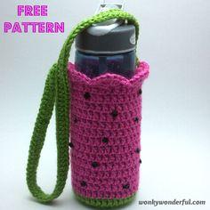 5 Free Patterns for Crochet Water Bottle Holders – mama durst Crochet Cup Cozy, Cute Crochet, Crochet Hooks, Knit Crochet, Quick Crochet, Crochet Basket Pattern, Crochet Patterns, Crochet Baskets, Crochet Kitchen
