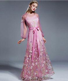 92e6da8993b2 Dámske spoločenské šaty s jemnými vyšívanými kvetmi a motýľmi Summer  Dresses 2017