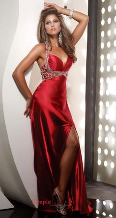 missingsisterstill:    eveing gown red gorgeous!