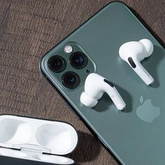 Enter our time-limited give-away and win a Free iPhone 11 Pro Max Or Apple Accessoires Now! Baby Giveaways, Christmas Giveaways, Wedding Giveaways, Free Iphone, Iphone 11, Apple Iphone, Smartphone, Accessoires Iphone, Instagram Giveaway