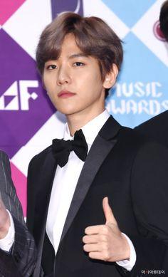 Baekhyun - 161226 2016 SBS Gayo Daejun, red carpet Credit: Asia Today. (2016 SBS 가요대전)